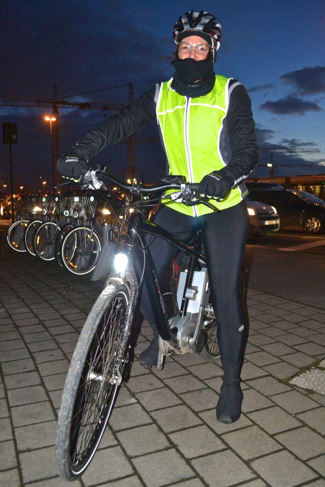 ©Barry Sandland/TIMB - Electric bike at night