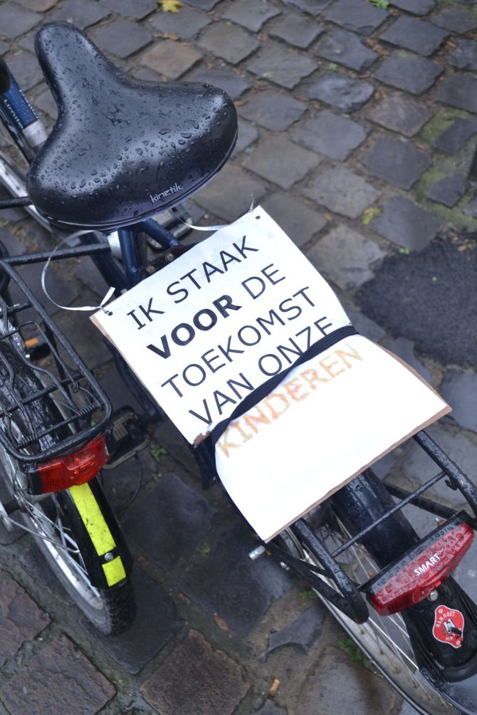 ©Barry Sandland/TIMB - Strike poster on a bike