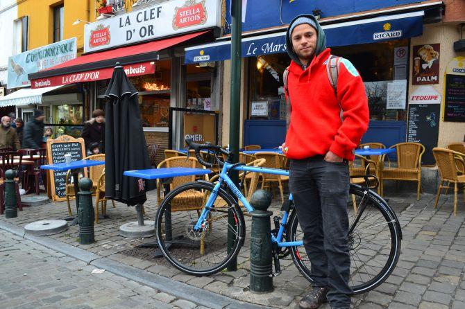 ©Barry Sandland/TIMB - novice randonneur in Brussels.