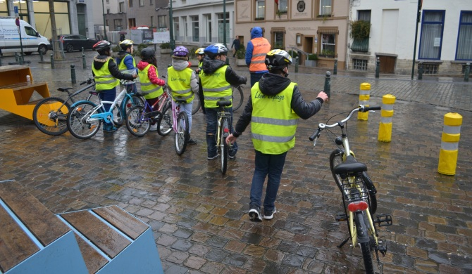 ©Barry Sandland/TIMB - school children learning to ride bikes