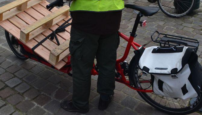 ©Barry Sandland/TIMB - Douze cargo bike with pallete
