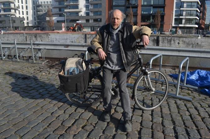 ©Barry Sandland/TIMB - Bike mechanic alongside a canal