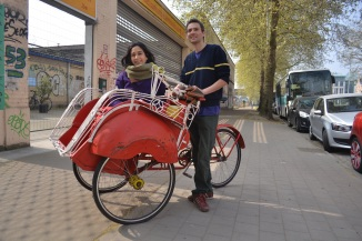 ©Barry Sandland/TIMB - Rickshaw with family on the canal in Belgium