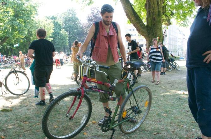 ©Barry Sandland/TIMB - Swing bike at the Velorution Parade