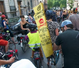 ©Barry Sandland/TIMB - Velorution banner promoting weekly parades through the summer in Paris
