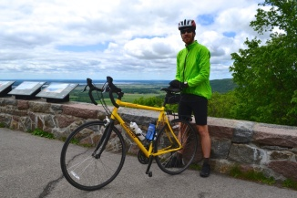@Barry Sandland/TIMB - Cyclist at the top of Gatineau Hills