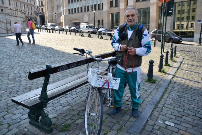 ©Barry Sandland/TIMB - Visiting Itaian retiree on his bike in Brussels