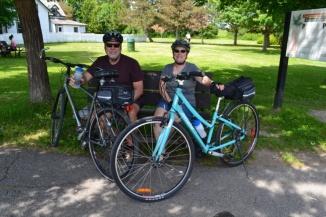©Barry Sandland/TIMB - Québecois couple with their bikes