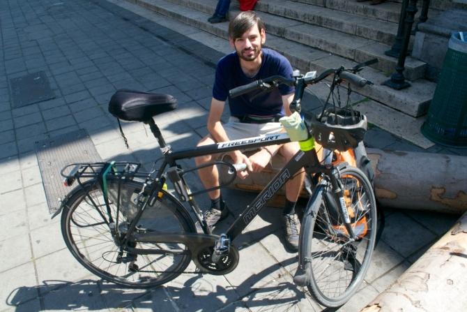©Barry Sandland/TIMB - Bike messenger resting in Brussels