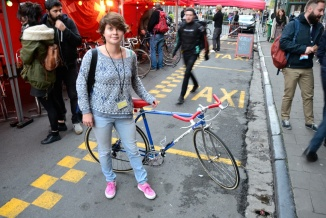 ©Barry Sandland/TIMB - Project organiser for Marché Velo, Viona Rijsbosch and her bike