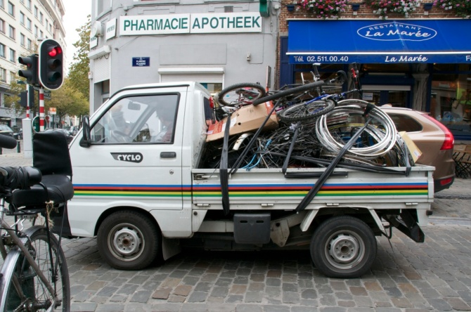gBarry Sandland/TIMB - Cyclo transport taking broken parts away for recycling