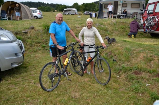 ©Barry Sandland/TIMB - Mt Ventoux couple and their bikes