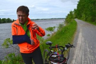 ©Barry Sandland/TIMB - Cyclist with paralysed arm on bike path in Ottawa
