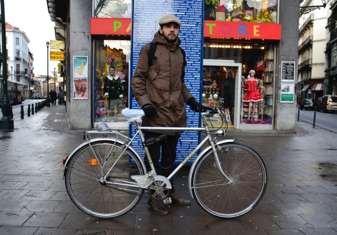 ©Barry Sandland/TIMB - Journalist in Belgium w his vintage bicycle