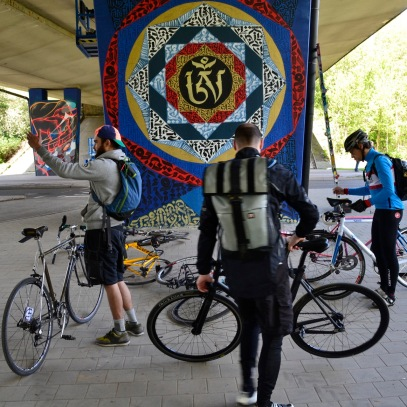 ©Barry Sandland/TIMB - Alleycat racers at the AMrius Renard overpass and a new street art location