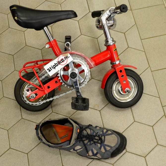 Barry Sandland/TIMB - Mini bike with a shoe as a size reference
