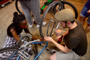 ©Barry Sandland/TIMB - Cycloperativa mechanic helps with basic repairs