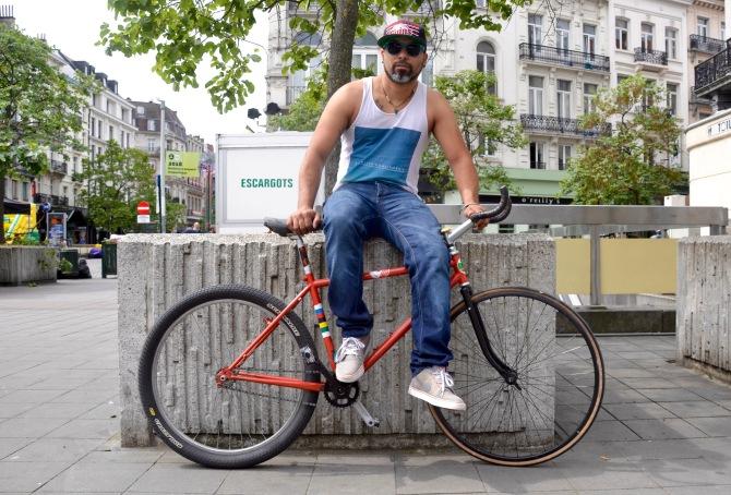 ©Barry Sandland/TIMB - Man w his mountain bike fixed combination
