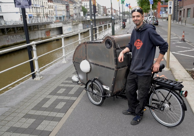 ©Barry Sandland/TIMB - Custom built cargo bike as a steam punk ice cream seller