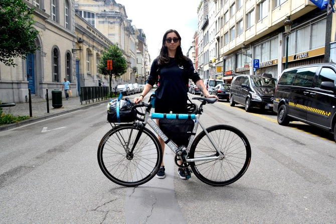 ©Barry Sandland/TIMB - Australianm graphic designer w her Hillbrick fixie heading to the CMWC in PAris