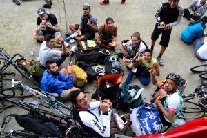 Barry Sandland/TIMB - Mexican messengers having a trackside picnic together