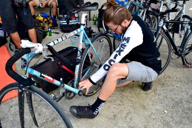 Barry Sandland/TIMB - Mexican rider adjusts his rear wheels