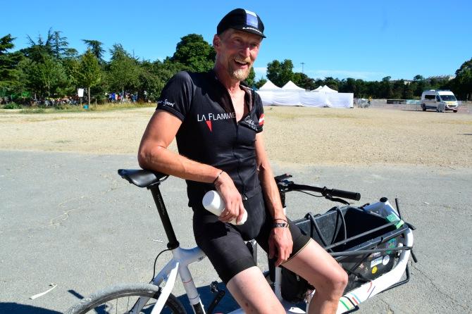 ©Barry Sandland/TIMB - Harry of Larry vs Harry on his Bullitt bike at the Cycle Messenger World Championships in Paris
