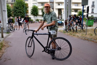 ©Barry Sandland/TIMB - Paris bike messenger w his bike at the 2016 Cycle Messenger World Championships in Paris