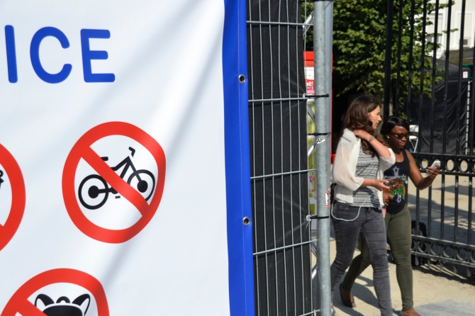 ©Barry Sandland/TIMB - Sign indicating bicycles are banned from entry to a summer event