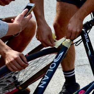 Barry Sandland/TIMB - Broken frame at the bike polo competition