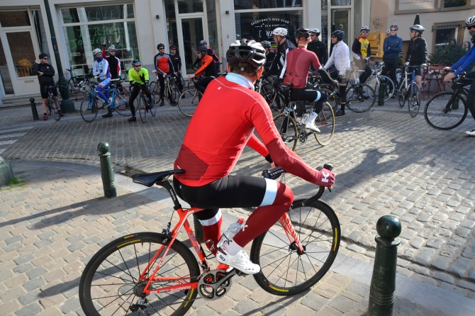 ©TIMB/Barry Sandland - Ekimov at Kring in Brussels, preeparing for the group ride