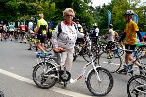 ©Barry Sandland/TIMB - Woman w her Bizo e-bike