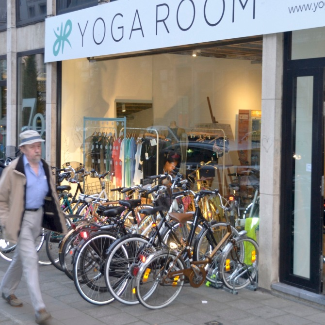 ©Barry Sandland/TIMB - Bicycles outside a yoga studio